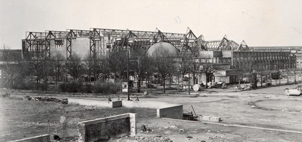 Messehalle 15 05 historisch von 1945 aussen