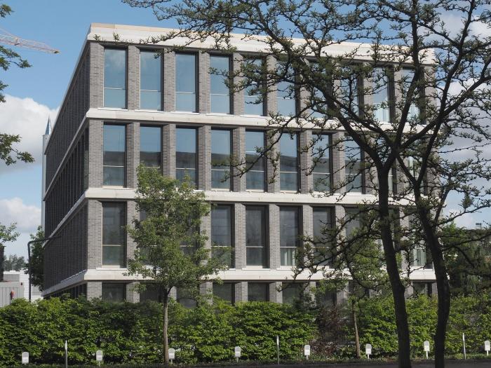 Fassade neuer Arbeitswelten ausgerüstet