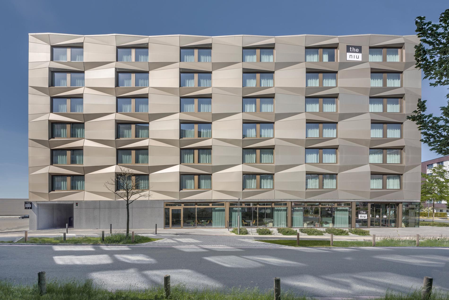 THE NIU HOTEL